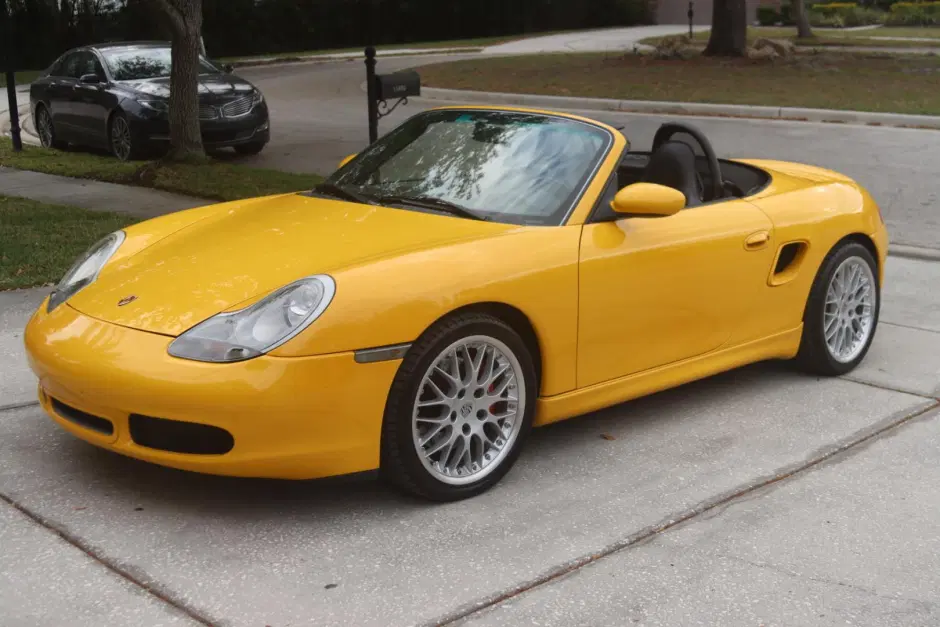Name:  Screenshot_2020-11-17 No Reserve 40k-Mile 2000 Porsche Boxster S 6-Speed.png Views: 115 Size:  930.8 KB