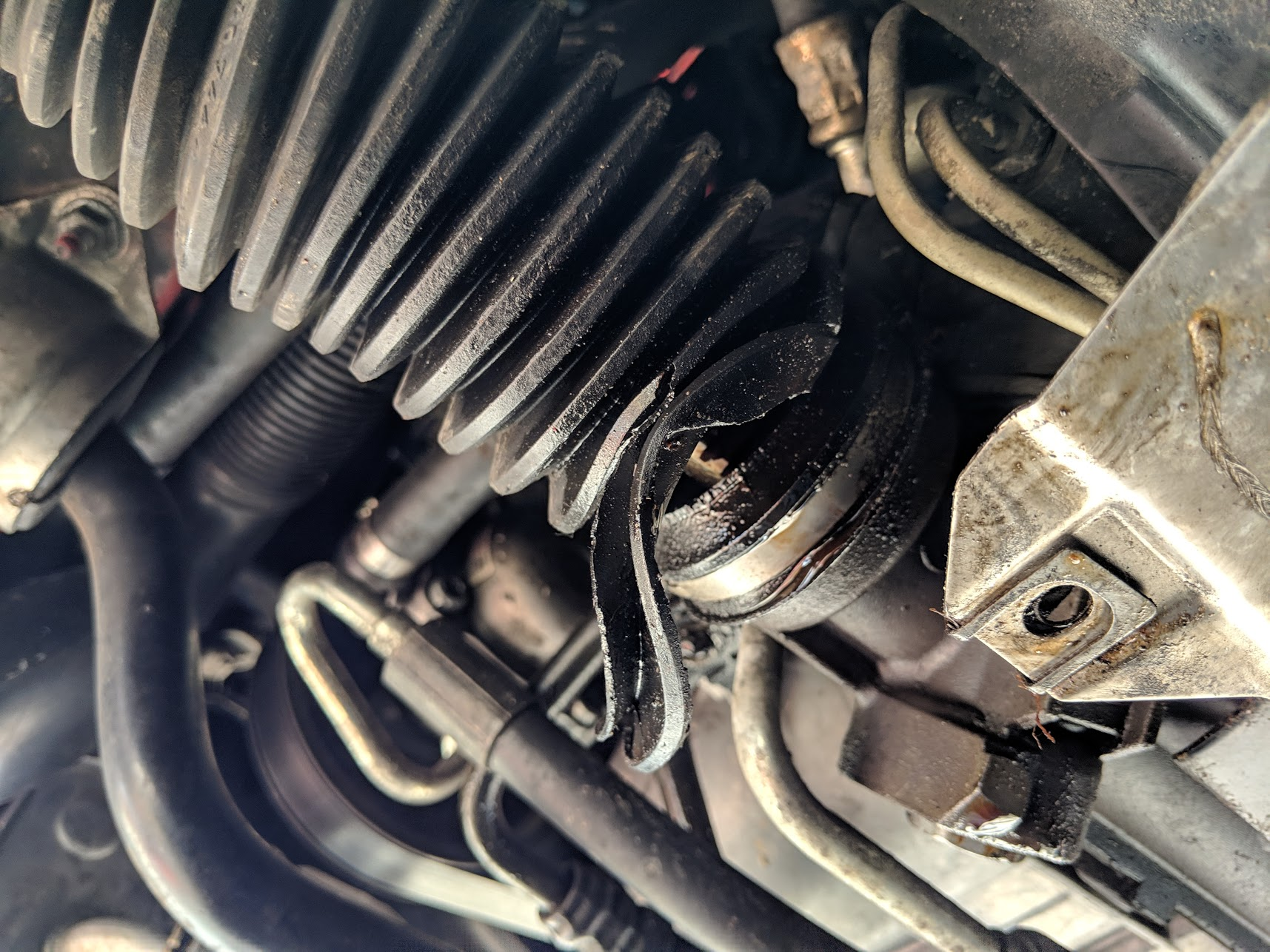 Name:  torn tie rod boots.jpg Views: 1 Size:  433.6 KB