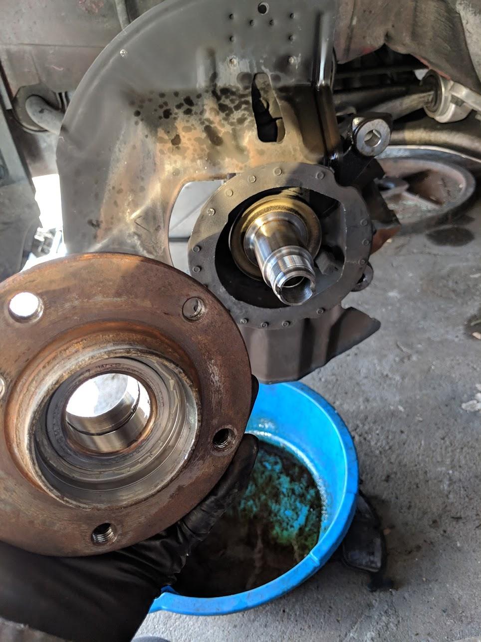 Name:  old wheel bearing.jpg Views: 1 Size:  223.6 KB