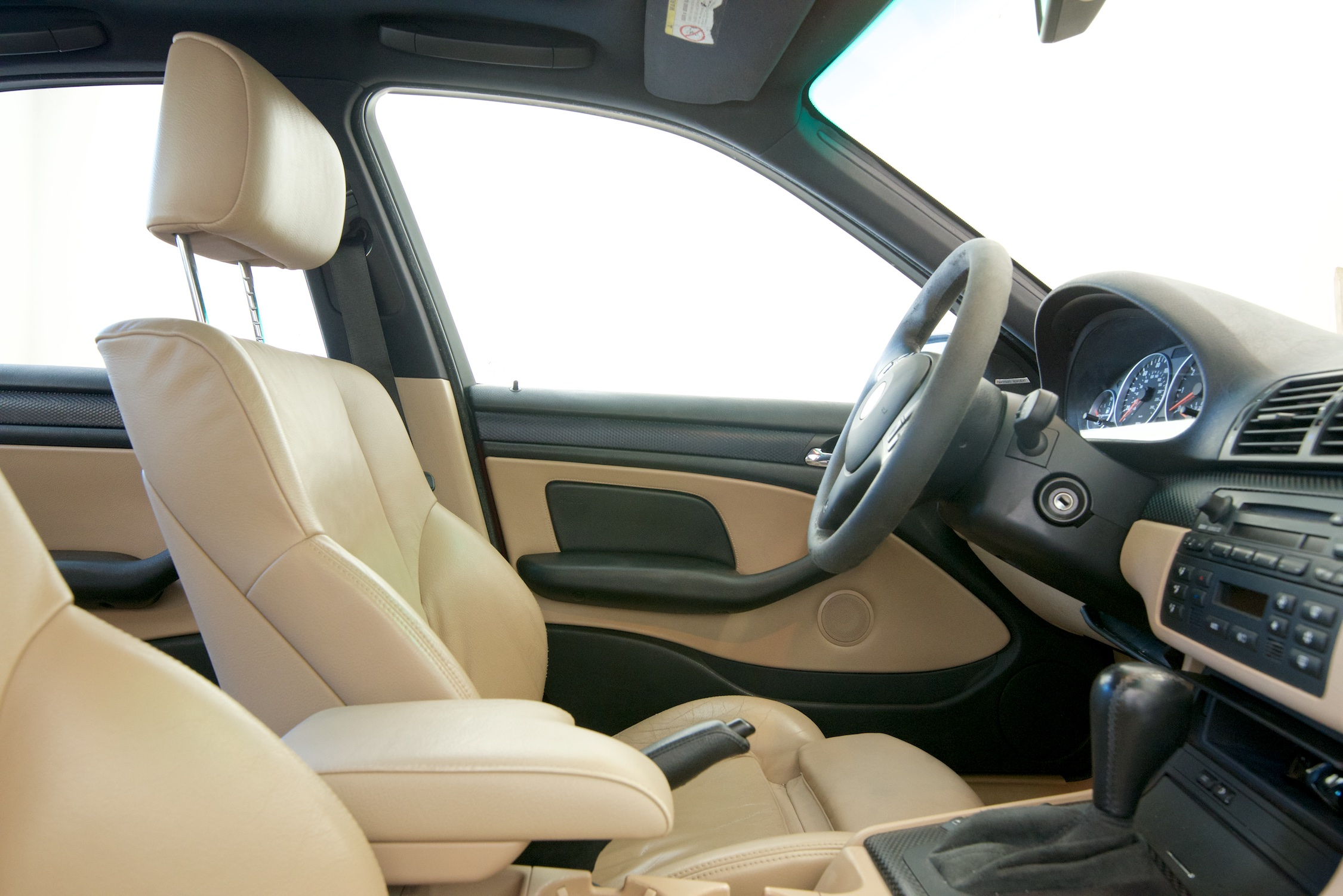Name:  interior_front.jpg
