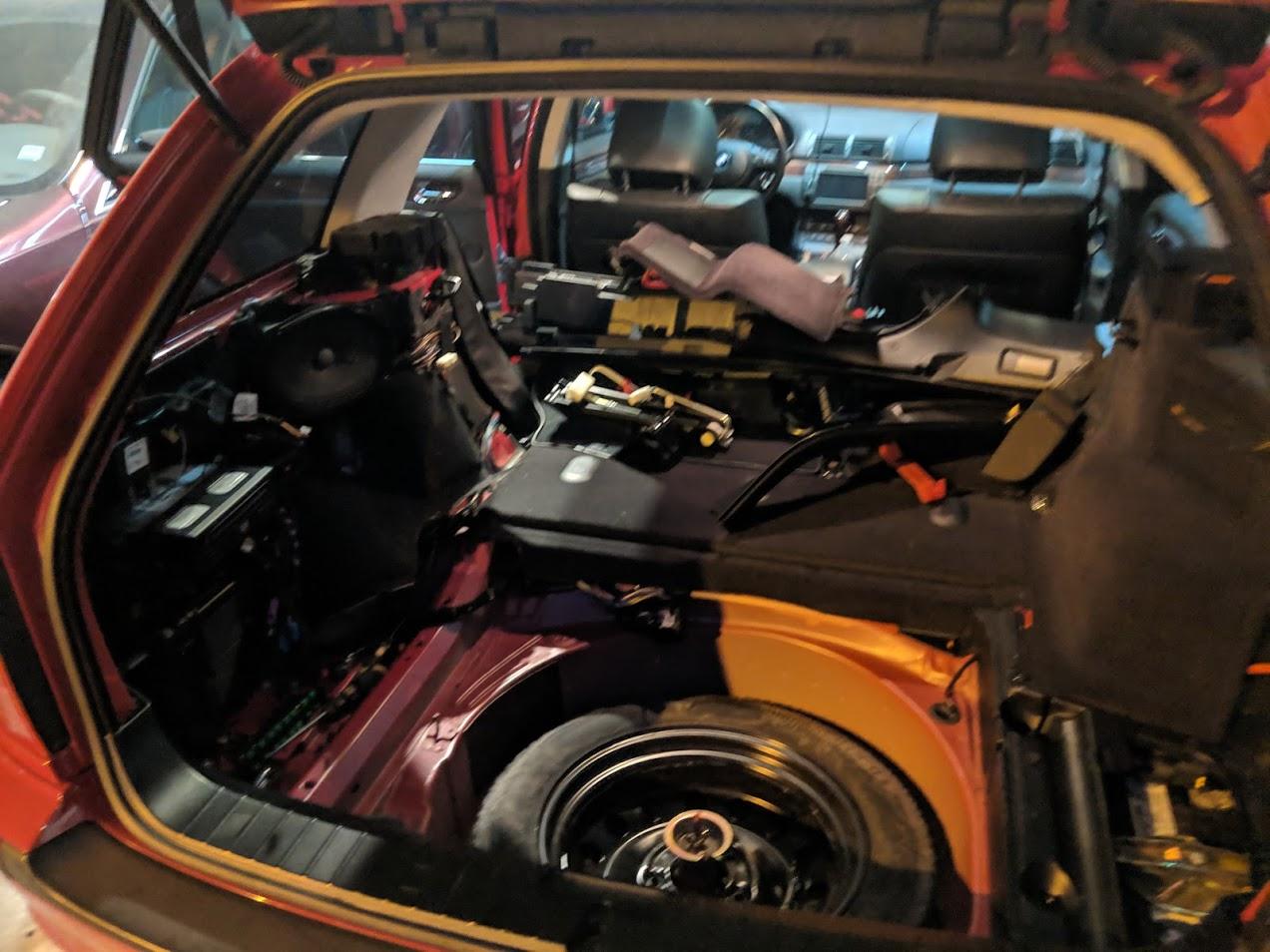 Name:  rear interior taken apart.jpg Views: 319 Size:  200.1 KB